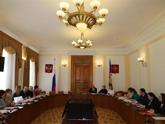 Комитет ЗСК по здравоохранению и соцзащите подготовил за год 47 законов: выплаты, сиделки, лекарства