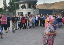 Киргизские правоохранители задержали бывшего президента Алмазбека Атамбаева