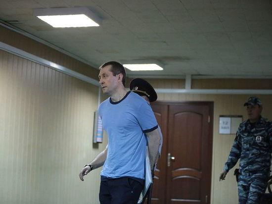 Полковник-«миллиардер» Захарченко в «Лефортово» заявил о поисках пропавших денег