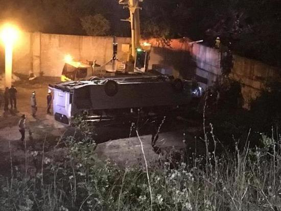По подозрению в совершении ДТП задержали водителя автобуса, рухнувшего в пропасть под Новороссийском