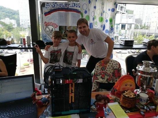 Юные нижегородцы представили проект на инженерном конкурсе в Корее