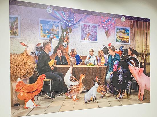 Художники поставили рядом с Кремлем арт-банкомат