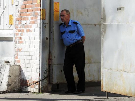 Росгвардия предложила штрафовать охранников без дубинок