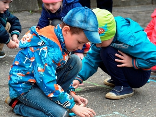 Сотрудники ГИБДД провели для смоленских детей «Уроки безопасности»