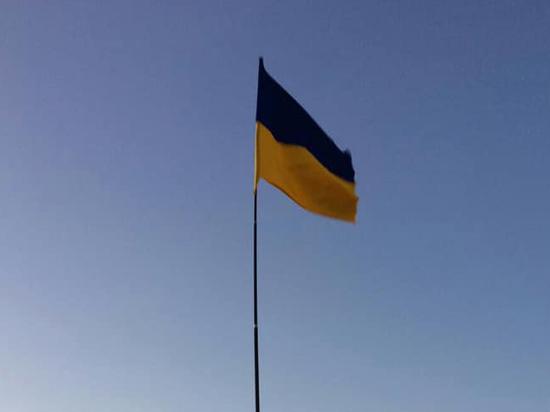 Желто-синее полотнище появилось в Судаке