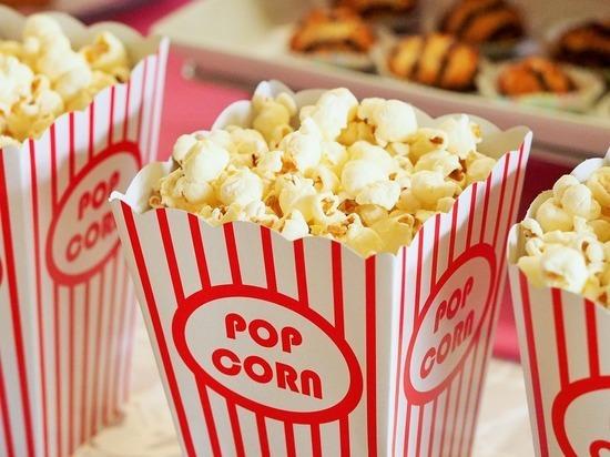 Минкульт хочет изменить правила посещения кинотеатров: проносить еду снова запретят?