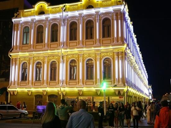 Здания в центре Ставрополя украшают архитектурной подсветкой