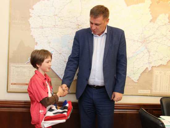 Новосибирский школьник отвезет флаг области на Северный полюс