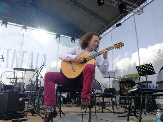Звучи: как проходит фестиваль Ruskeala Simphony