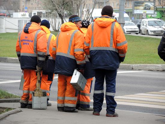 В Подмосковье дворник с зарплатой 15 тысяч рублей задолжала почти два миллиарда