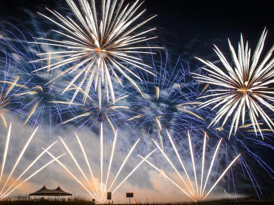 Международный фестиваль фейерверков «Zvezdopad» прошёл в Смоленске