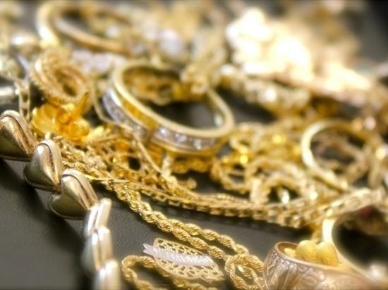 Хабаровский ювелир нажился на миллион золотом