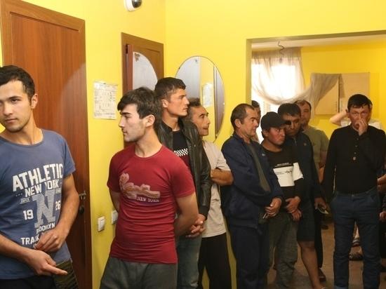 Новосибирский предприниматель приютил более 1000 мигрантов