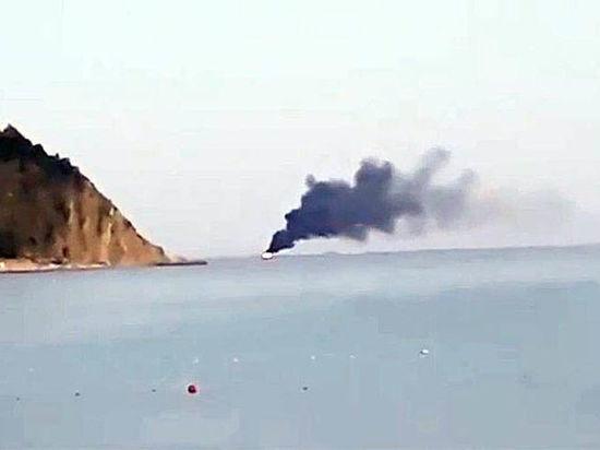 Под Джубгой в Чёрном море загорелось и утонуло судно: на борту было шестеро