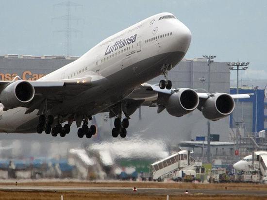 Во Франкфурте вскоре после взлета самолет Jumbo Jet вернулся в аэропорт