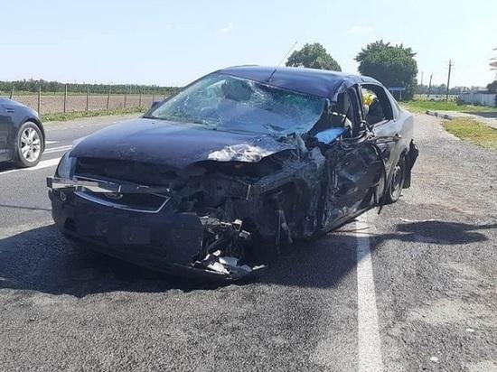 Пять человек пострадали в столкновении трёх машин на Кубани:среди них — ребёнок