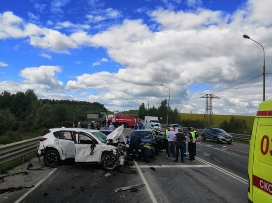 Появились фото аварии, в которой погибли двое сотрудников УФСИН