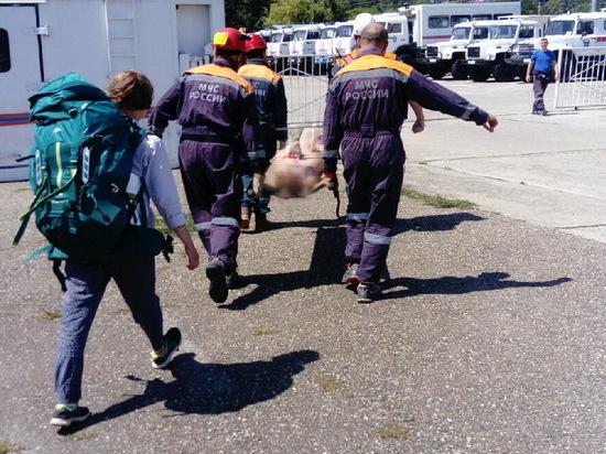 С приюта «Фишт» в горах вертолётом эвакуировали девушку, которую укусила гадюка