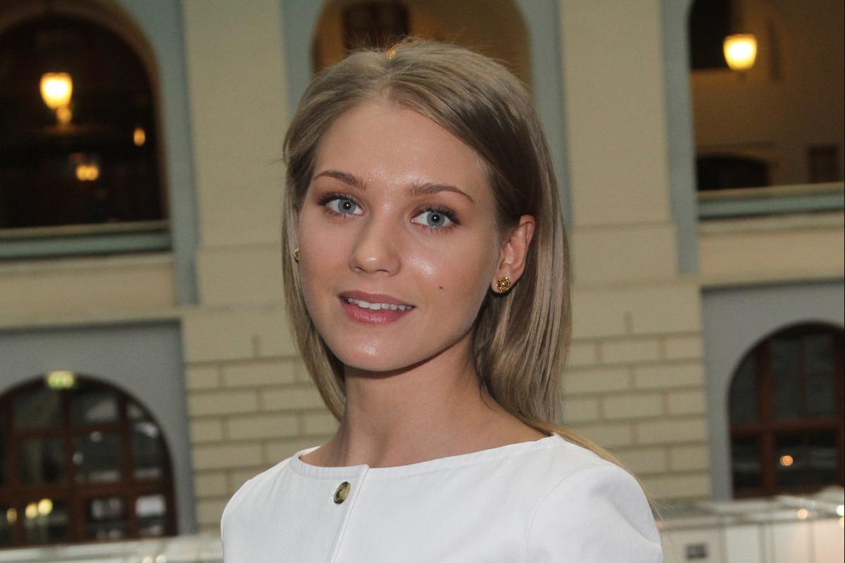 Голая Кристина Асмус В Ванне