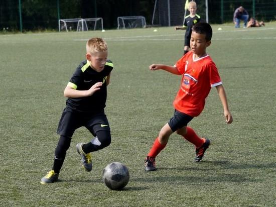 Петербург принял первый футбольный турнир для юношей из России и Китая