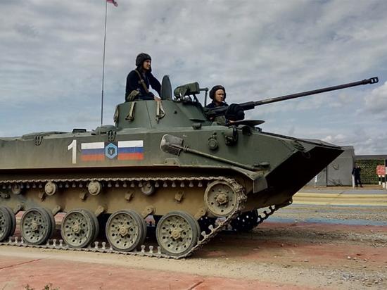 Бойцы ВДВ России выиграли гонку на бронемашинах