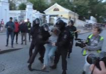 Кулаком в живот женщине: почему в московской полиции служат садисты