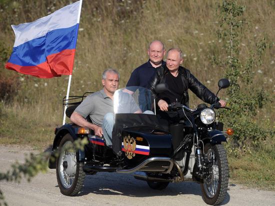 Крымский депутат оценил реакцию США на визит Путина на полуостров