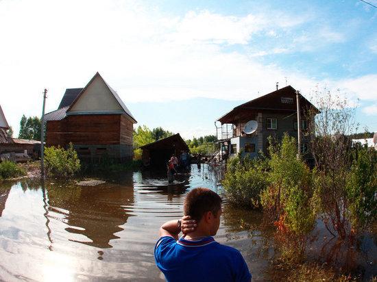 Около 60 хабаровчан решили остаться на подтопленных дачах