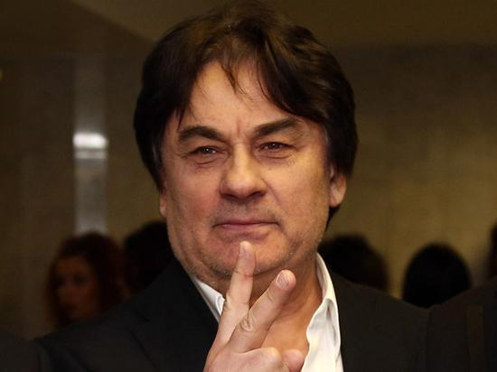 """Адвокат певца Серова озвучил подробности его иска к """"Пусть говорят"""""""