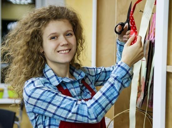 Рейтинг профессий для летней подработки подростков назвали в Чите