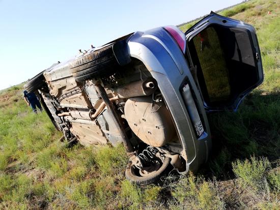 Пьяная мать четверых детей погибла в ДТП в Астраханской области
