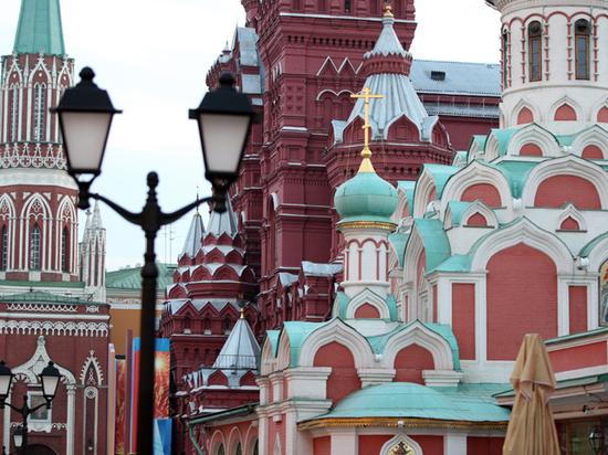 Мужчина с ножом атаковал алтарника Казанского собора на Красной площади