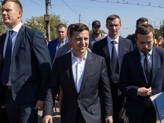 Зеленский решил давать гражданство Украины жертвам «политических преследований» в России