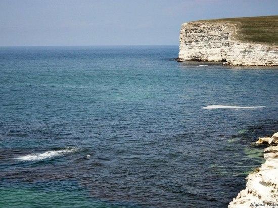 В Черноморском районе обнаружили тело дайвера