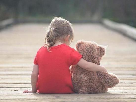 НаКубани мать бросила дочку вкафе ипопросила отыскать ейродителей