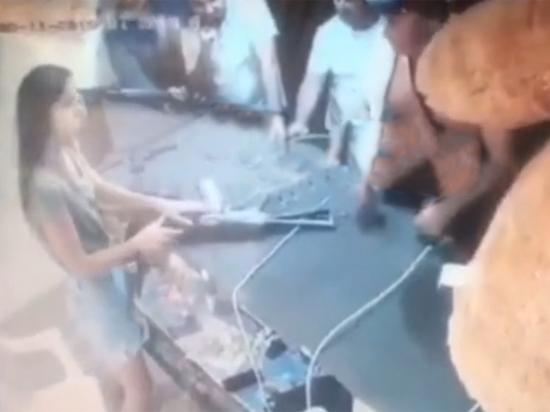 Избивший девушку в тире Анапы угрожал её изнасиловать