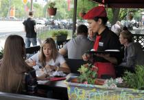 Из-за несогласованных митингов рестораторы недосчитались выручки