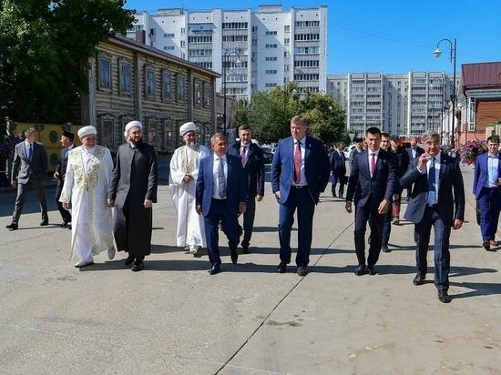 Руководители Калмыкии и Астраханской области побывали в Татарстане
