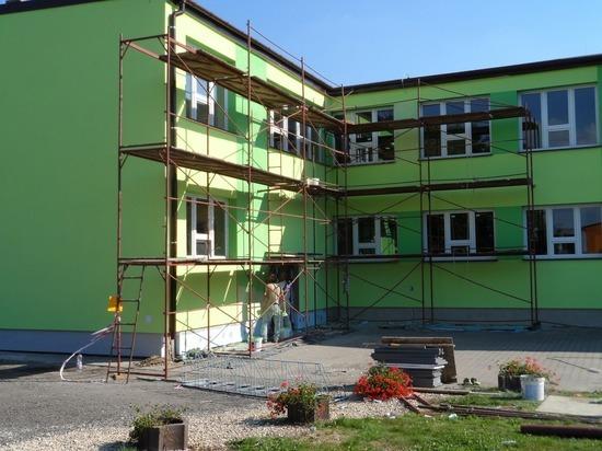 Чиновники приняли ремонт школ и детсадов в Надымском районе по фото