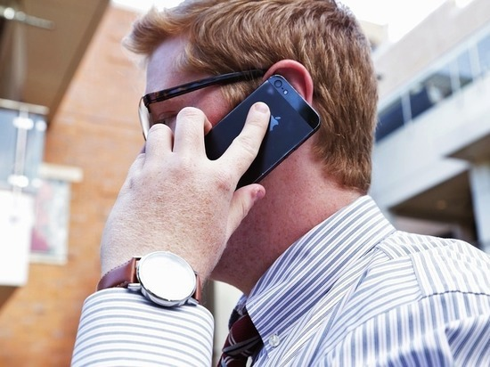 Жителям Алтая мошенники звонят с реальных банковских номеров