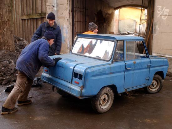 СМИ узнали о намерении властей запретить россиянам пользоваться старыми машинами