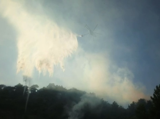 Лесной пожар под Туапсе потушили с вертолёта