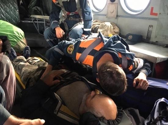 Из горного ущелья Бурятии тульские спасатели на вертолете вызволили туриста