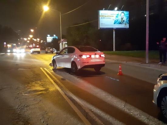 В Екатеринбурге женщина погибла от ударов двух автомобилей