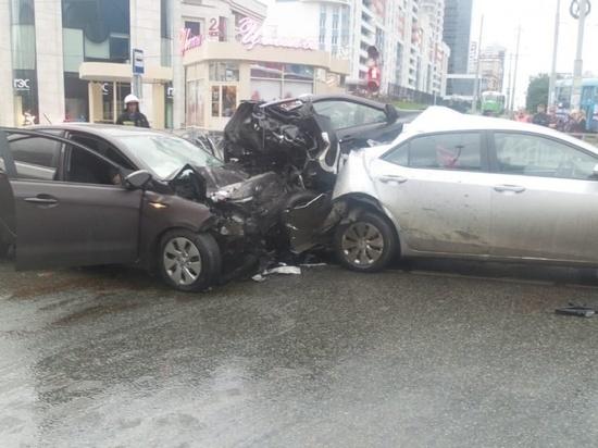 Виновник смертельной аварии на Малышева заявил, что он у него «проблемы с головой»