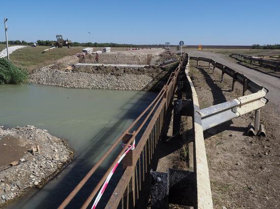 Новый мост через Большой ставропольский канал построят до конца года
