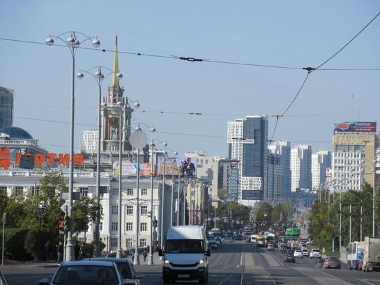 После запроса общественника мэрия Екатеринбурга отказалась ремонтировать часть проспекта Ленина