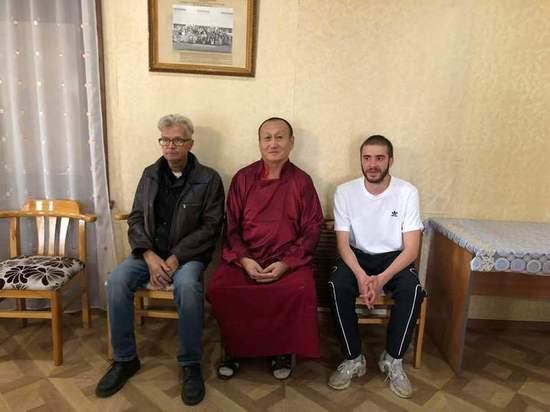 Глава буддистов России встретился с Эдуардом Лимоновым и рэпером Хаски