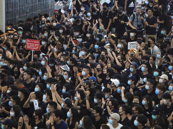 Посол Китая оценил протесты: «Гонконг – не американский и не английский»