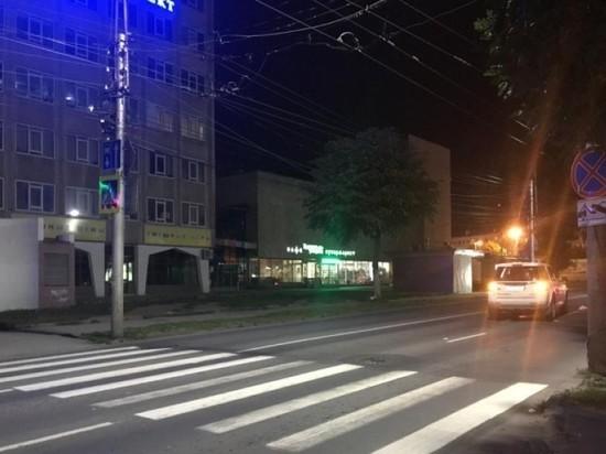 В центре Рязани на переходе внедорожник сбил девушку